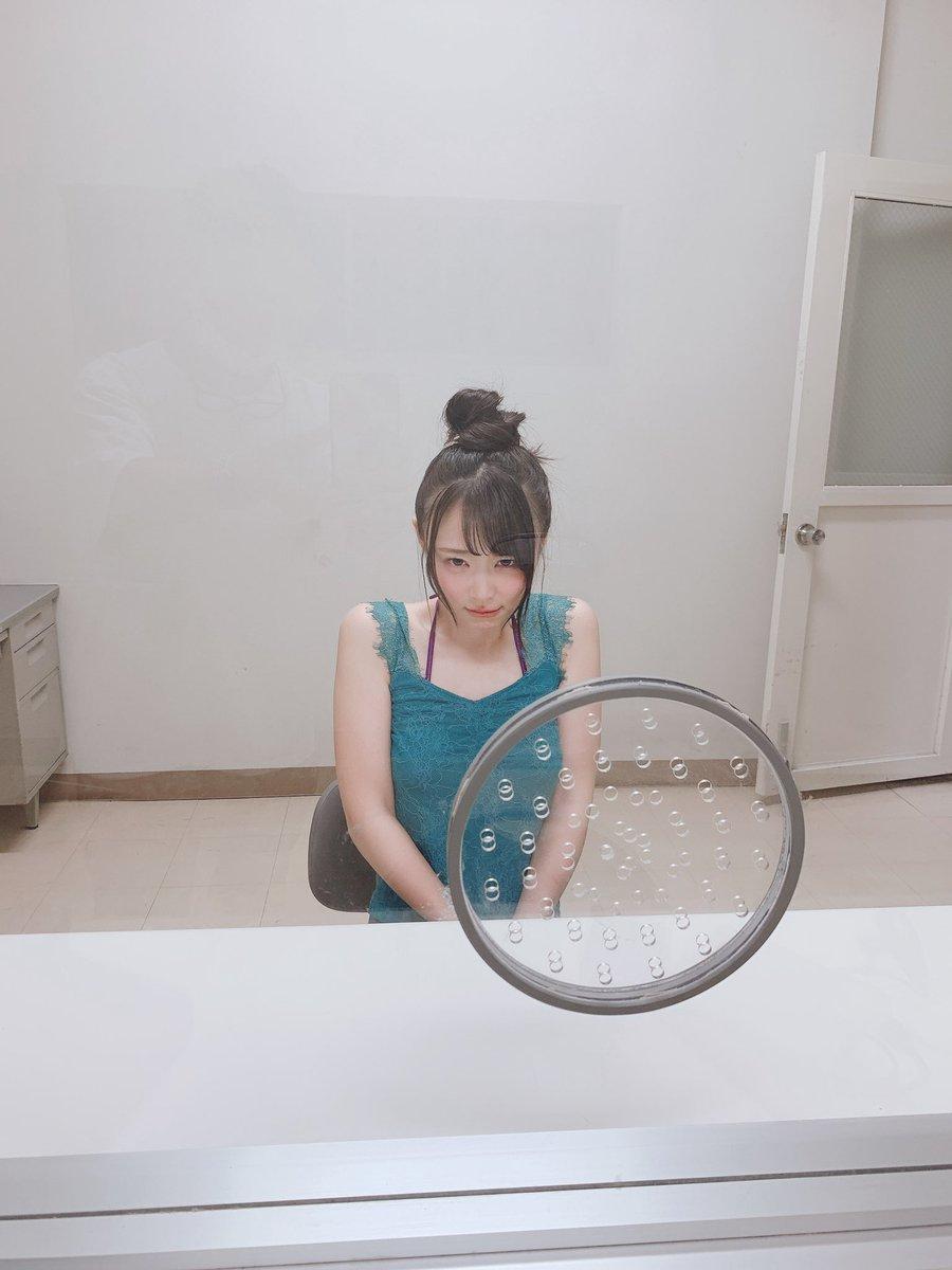 【画像】AV女優さん、逮捕されて面会室で無実を訴える