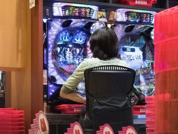 【悲報】高橋尚子 驚愕のパチンコ11時間