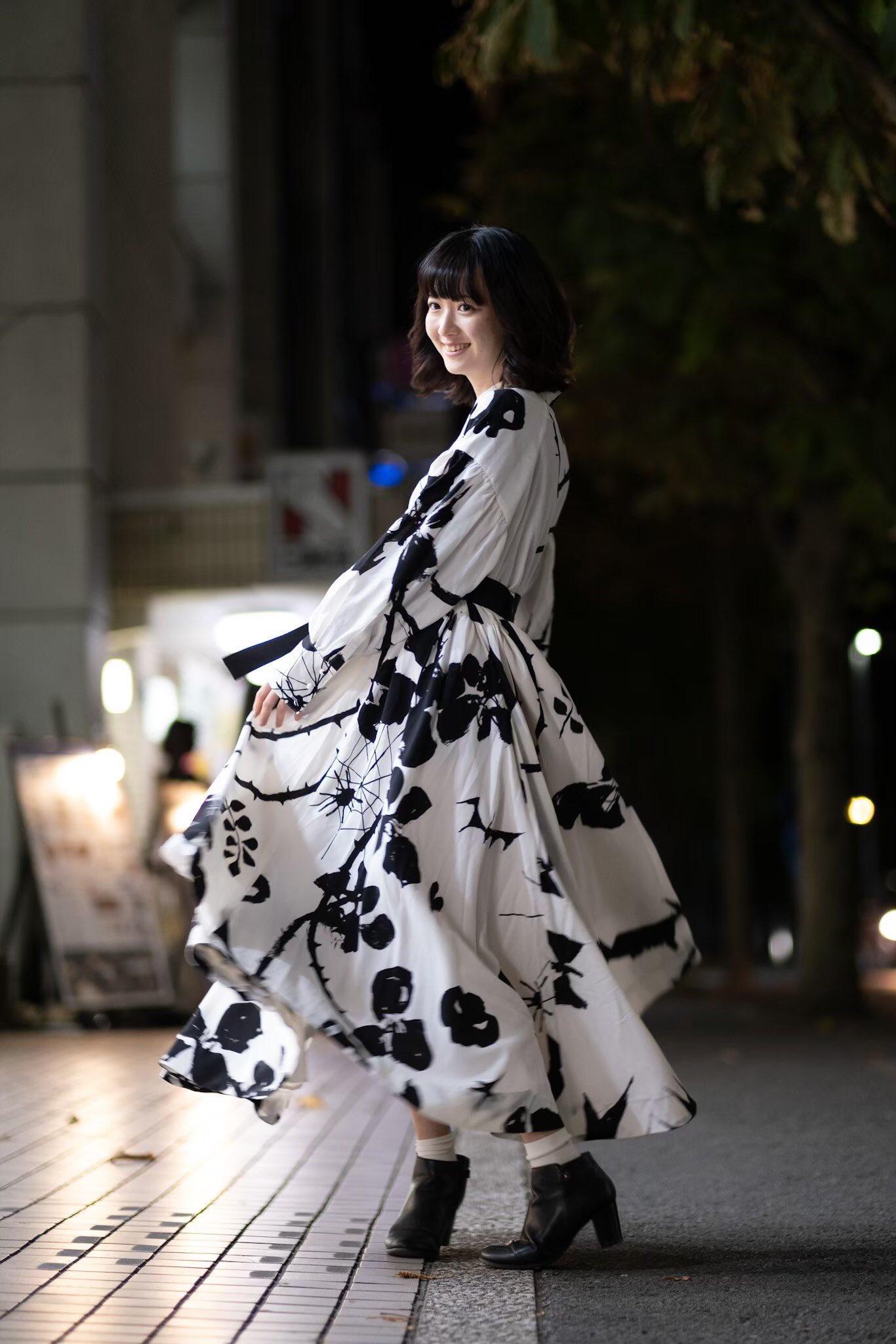 【画像】彼女がこの服でデートにきたらどうする?w