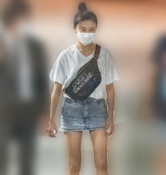 【画像】小島瑠璃子の私服、やばすぎる