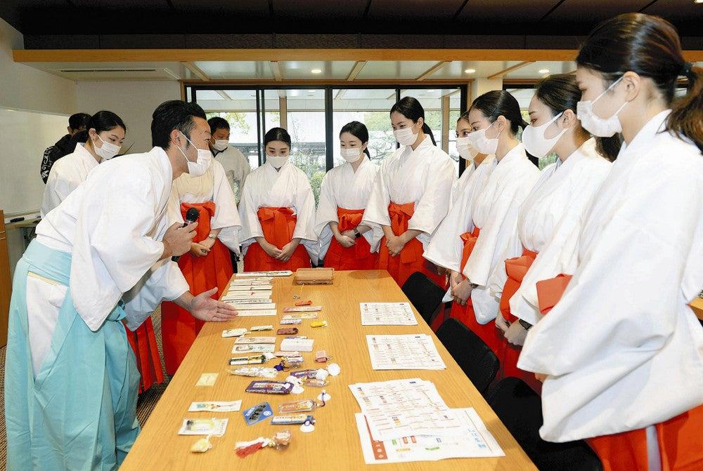 【画像】 JAL女性社員(24)、新年は巫女に出向「しっかりご奉仕できれば」