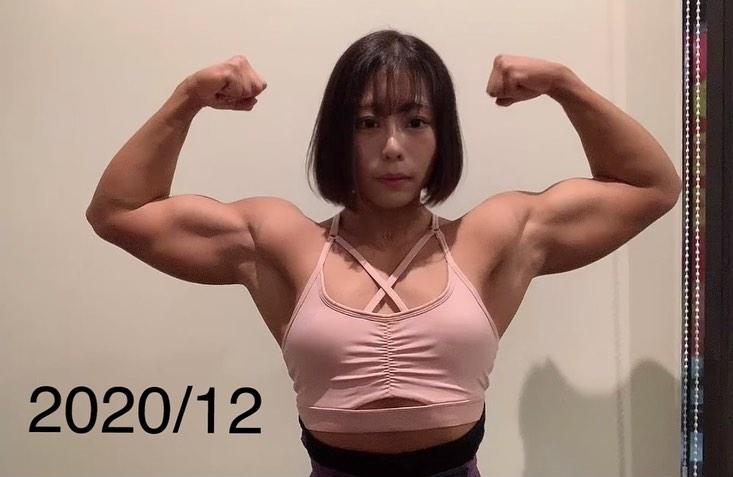 【画像】筋トレ女子さん(26)、限界突破する