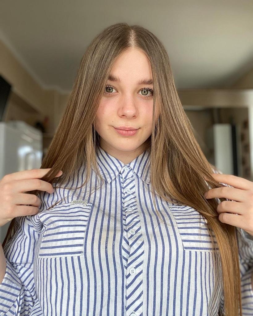 【画像】このロシア人女性(20)のおっぱいでかすぎるw