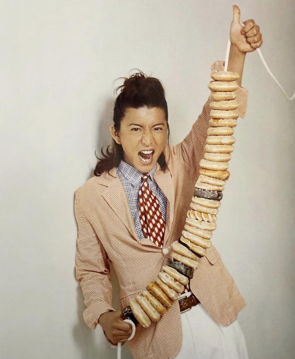 【画像】キムタク「ドーナツ40人分で」店員「持ち帰りですか?」キムタク「はい」