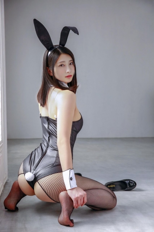 【画像】本庄鈴とかいう顔SSSSのセクシー女優w