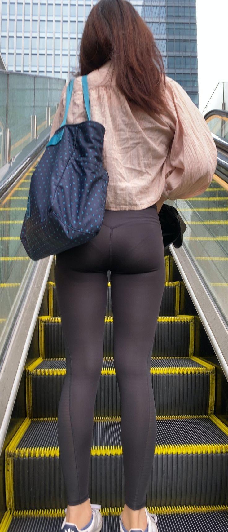 【画像】女子、この格好で出歩いても公然わいせつ罪にならない
