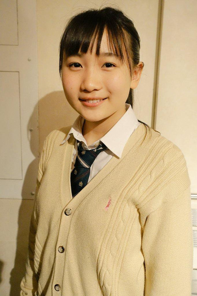 【画像】YOASOBIの女の顔って全部同じじゃね?