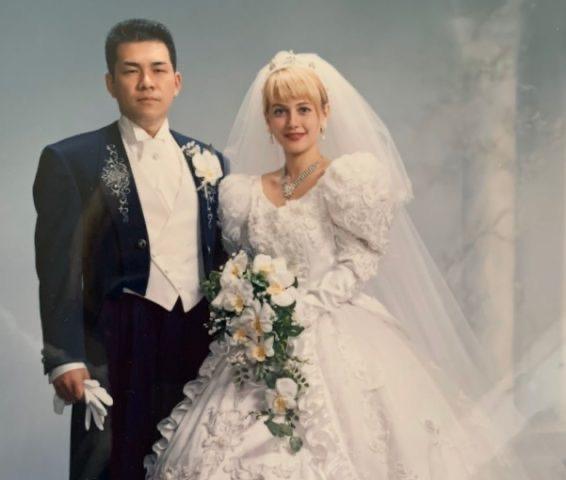 【画像】日本人、美人ロシア人を妻にしてしまう