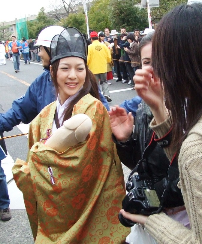 【画像】韓国のお祭り、変態すぎるwwwwwww
