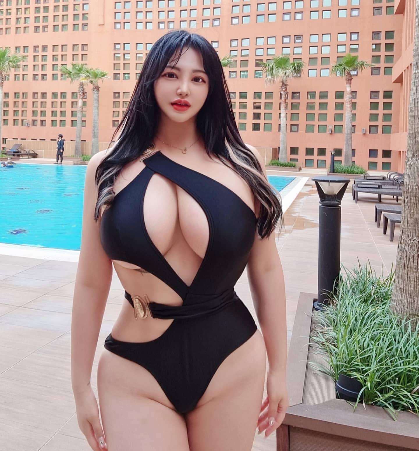 【画像】エチエチ韓国美女、修正しすぎて絵みたいになるwww