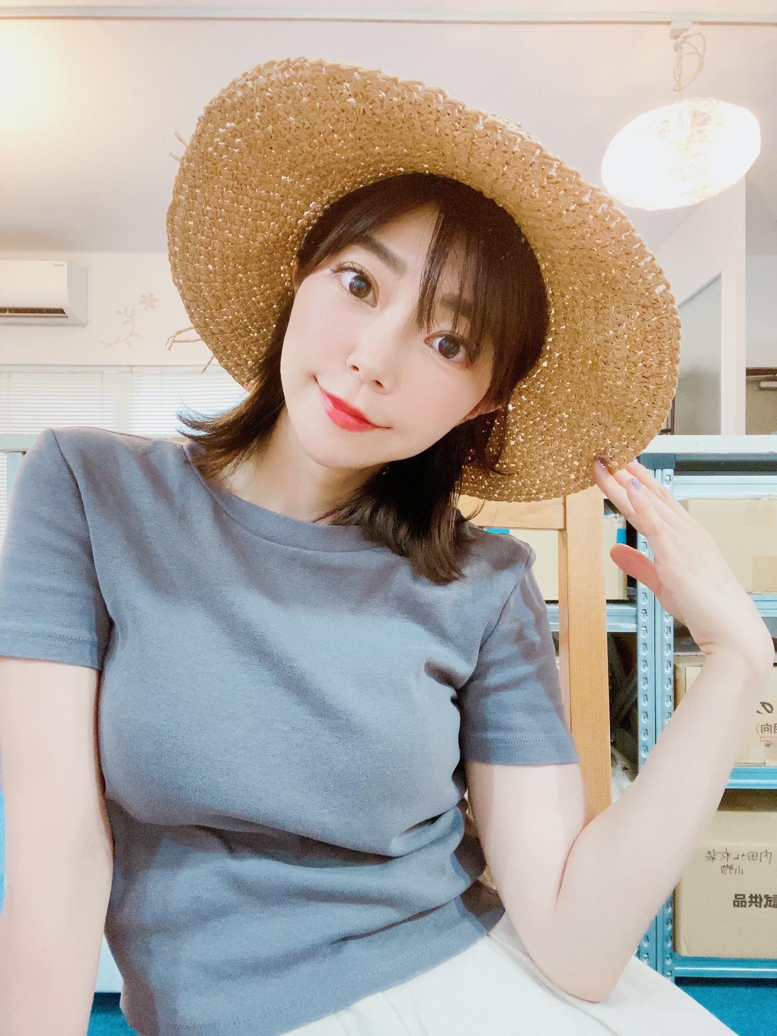 【画像】声優の伊瀬茉莉也さん(32)、シコられたい欲が出てしまうw