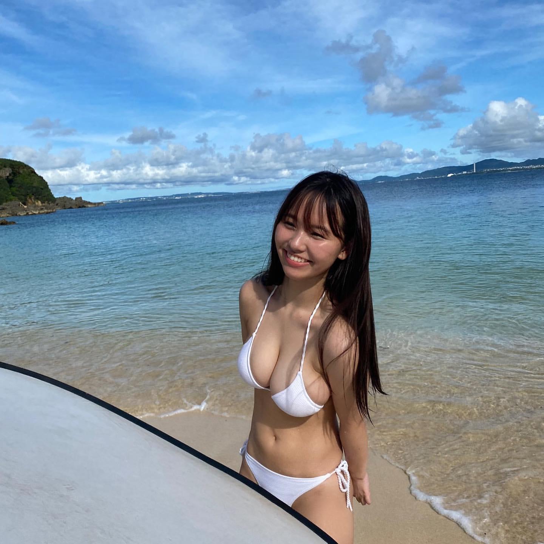 【画像】HカップJK「海来たよぉ(パシャ」