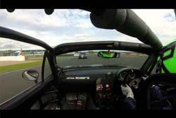 【動画】超セコイ手段で勝とうとしたレーサーの決定的瞬間