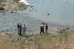 おっさん「川で昼寝するか」 住民「川に死体が!!大事件だ!」